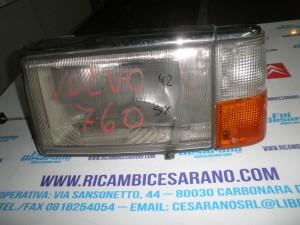 Faro anteriore sinistro  Volvo 760  1992
